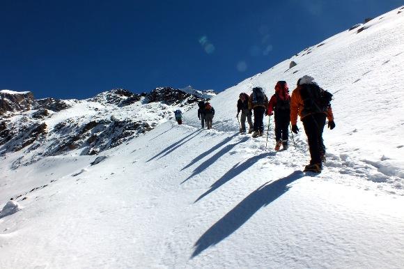 Tentativa de cume dos cerros Tarija e Pequeno Alpamayo