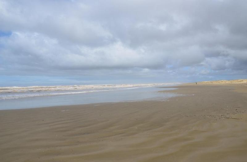 Aspectos das praia, e a areia é ótima para caminhar